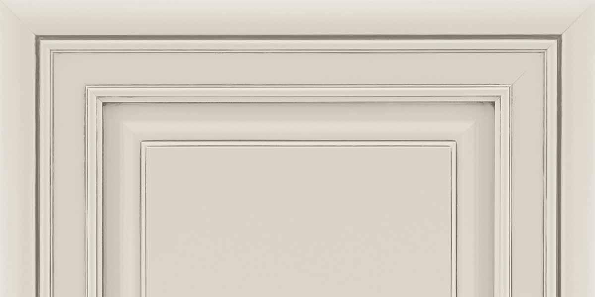 Door Style 740 Painted Ember Glaze